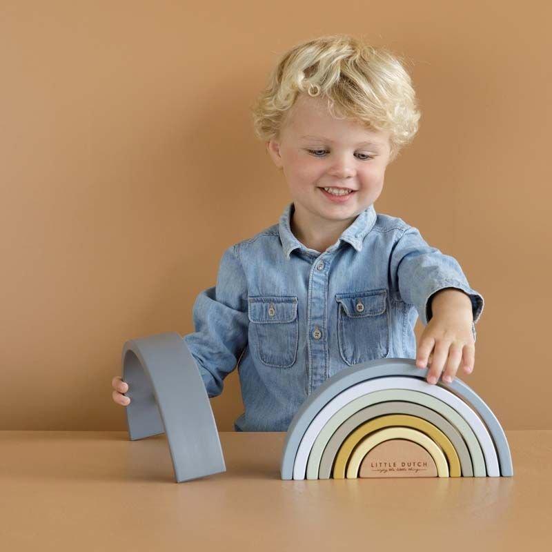 Arc en ciel   Bleu nouveau coloris par Little Dutch avec un enfant