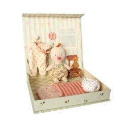 Coffret ouvert de poupée en tissu par Maileg