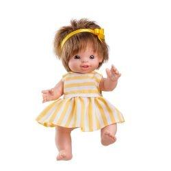 Petite poupée blonde fille
