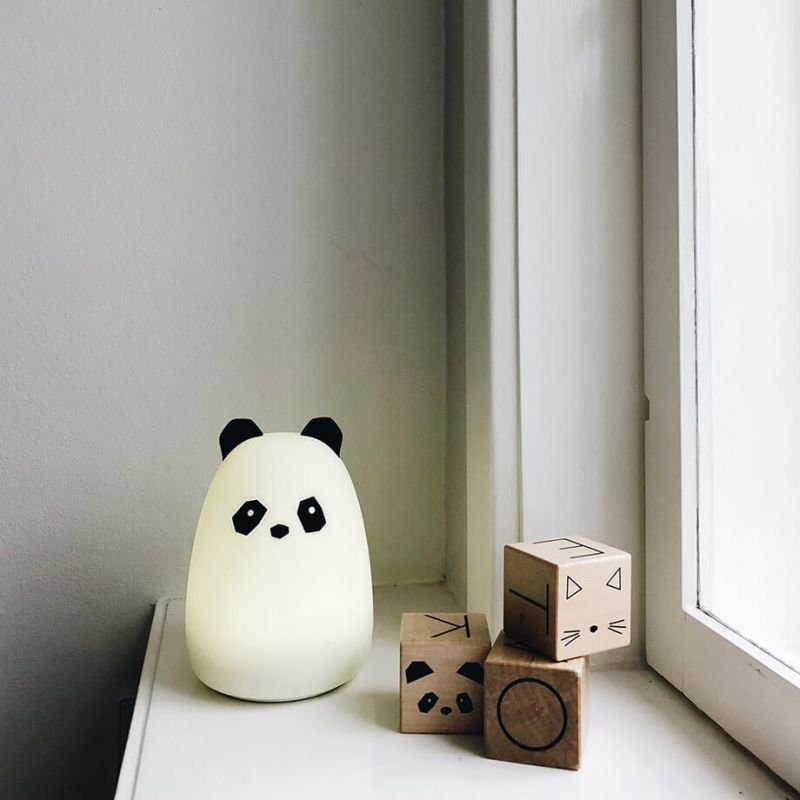 Veilleuse panda Liewood dans une chambre