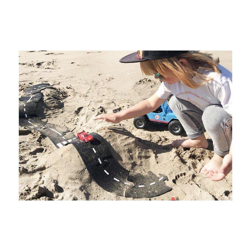 Créer une route flexible pour joure aux voitures dans le sable