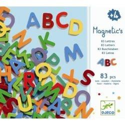 83 lettres majuscules...