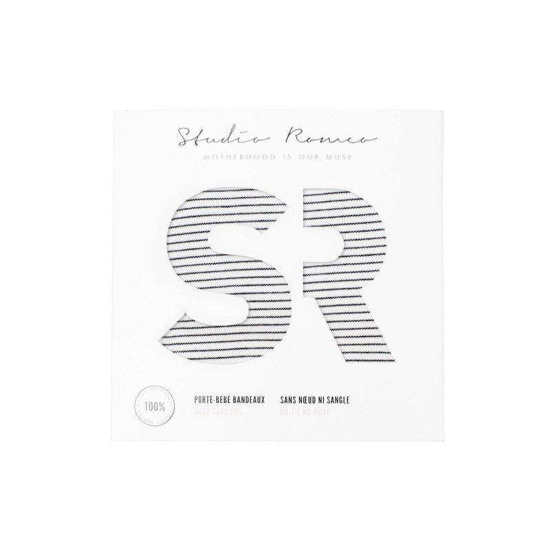 Porte bébé Stripes de Studio Romeo dans son packaging