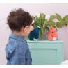 Doudou au crochet Zoé Bleu ciel par May Be Monday dans une chambre