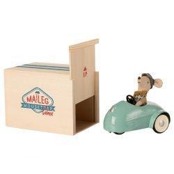 Souris pilote avec voiture rétro et garage | Bleu par Maileg avec sa boite
