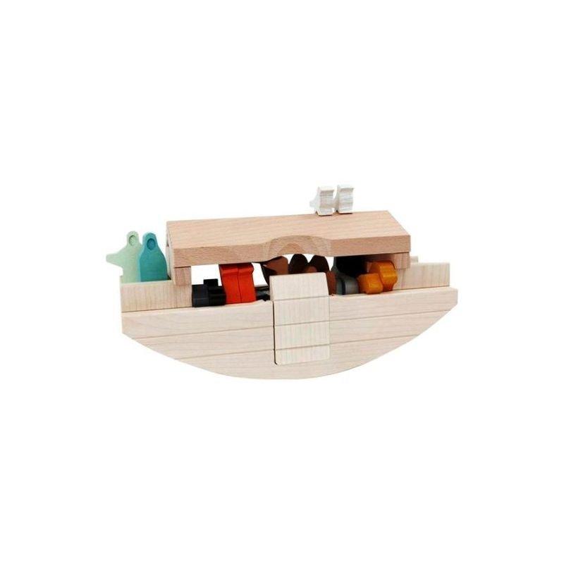 Arche de Noé en bois par Bajo dans le l'arche