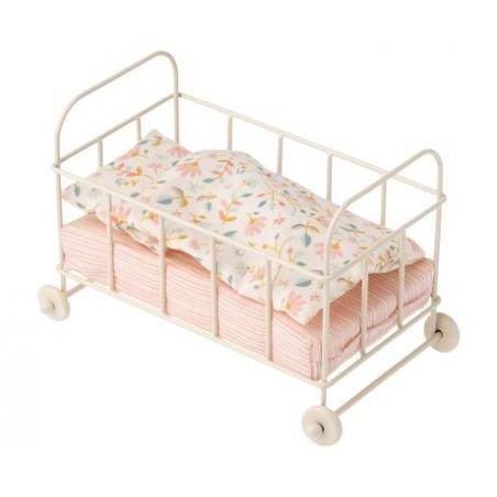 Petit lit à roulette pour souris par Maileg